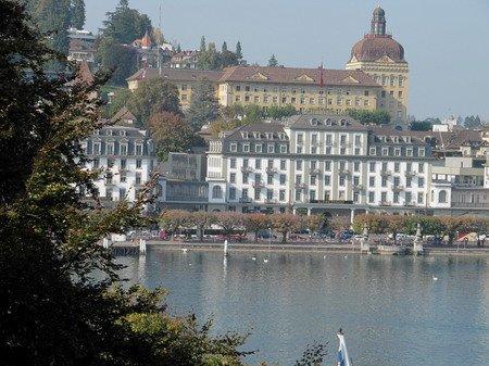Au kunstmuseum de lucerne hans erni chroniques de ci de l for Technicien piscine suisse