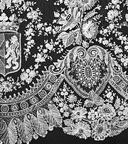 Le professeur dans Livres 180px-royal_lace_detail